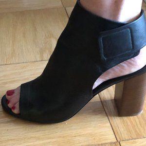 Black Lightly Worn Vince Block Heel Sandal